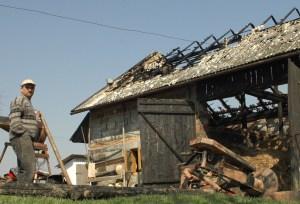 W Nawsiu spłonęła stodoła