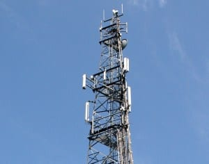 Ludzie boją się pola  elektromagnetycznego z anten