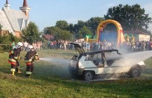 Na festynie w Skrzyszowie podpalili auto – galeria ZDJĘĆ i relacja VIDEO