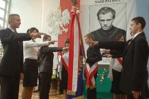 Gimnazjum w Wielopolu ma patrona – galeria ZDJĘĆ
