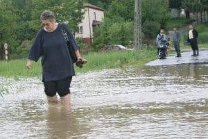 Powódź w Zagorzycach, Okoninie, Łączkach Kucharskich, Wiercanach, Olimpowie – galeria ZDJĘĆ