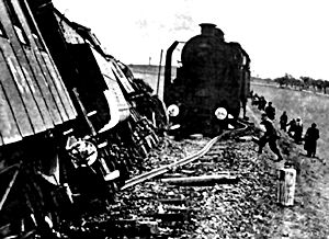 Leśni ludzie wysadzają niemiecki pociąg