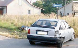 Motor leciał nad autem?