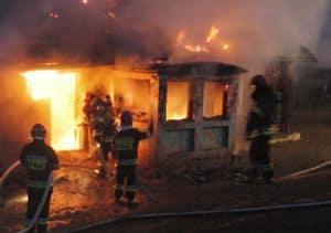 Zwierzęta spłonęły, właściciel poparzony – galeria ZDJĘĆ i relacja VIDEO