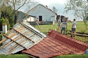 Nawałnica pozdzierała dachy – galeria ZDJĘĆ – kolejne zdjęcia!