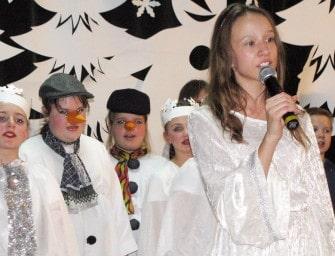 """Dzieci śpiewały w """"krainie lodu"""" – ZDJĘCIA"""