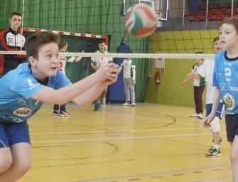 Turniej Kinder Sport w Ropczycach – ZDJĘCIA