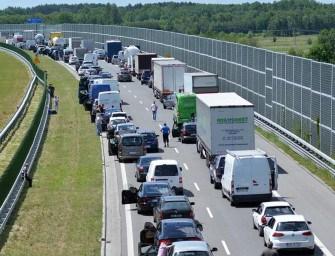 Wypadek na autostradzie – ZDJĘCIA