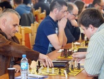 Zjazd szachowej IV ligi w Sędziszowie – ZDJĘCIA