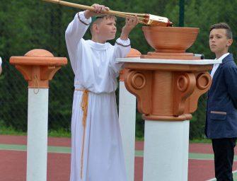 Otwarcie boiska w Broniszowie. ZDJĘCIA