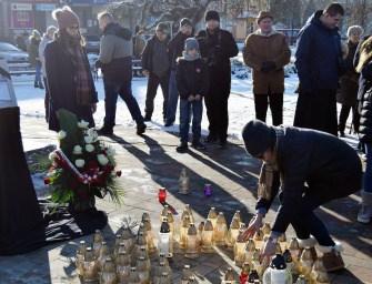 Ropczyce oddały hołd Adamowiczowi-ZDJĘCIA