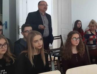 W Kantorówce młodzież słuchała o naszych powstańcach