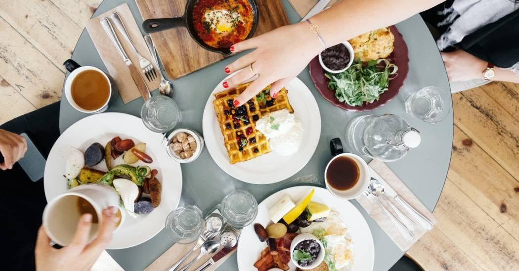 gathering-restaurant-dish-meal-food-breakfast-4389-pxhere.com